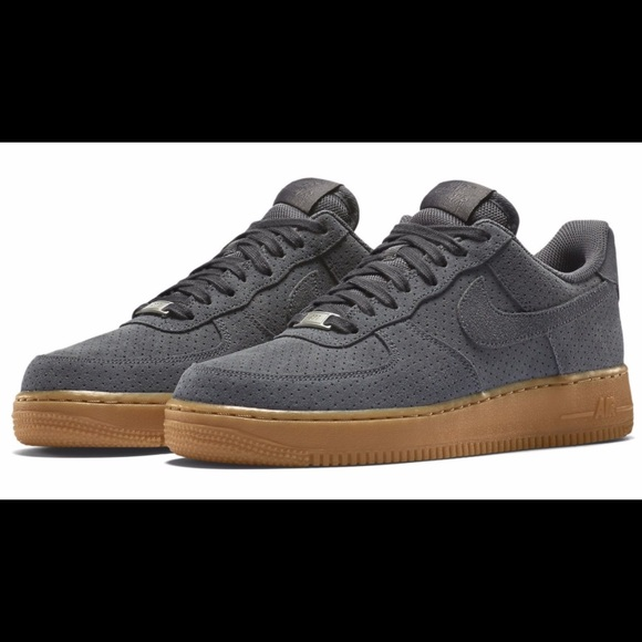 af89bbcd71a137 Nike women s Air Force 1  07 Suede Dk Grey 9.5. M 5a99c20a5521be02d1cf0869